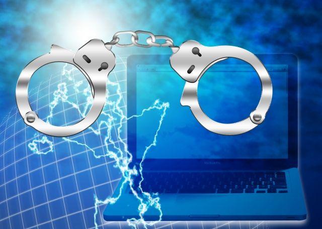 違法な迷惑メールが逮捕されるイメージ